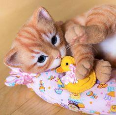 Beautiful Needle felting wool cute cat(Via @kittenblackua)