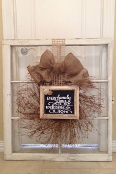 Farmhouse Wreath Diy Window Frames 17 Ideas For 2019 Old Window Crafts, Old Window Projects, Diy Projects, Window Art, Window Frames, Window Frame Ideas, Window Pane Decor, Country Decor, Rustic Decor