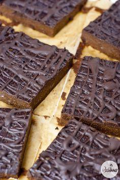 Roślinna : Najprostsze brownie z batatami Bread, Chocolate, Recipes, Food, Brot, Essen, Chocolates, Baking, Eten