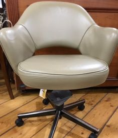 Knoll Eero Saarinen Executive Armchair Casters Swivel Leather 10