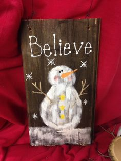 32 Marvelous Winter Pallet Painting Ideas To Try Asap Christmas Tree Painting, Christmas Wood, Primitive Christmas, Christmas Signs, Christmas Decorations, Snowman Decorations, Xmas, Christmas Ornaments, Pallet Painting