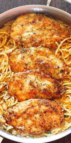 Parmesan Cheese Sauce, Chicken Parmesan Recipes, Parmesan Pasta, Chicken Recipes For Dinner, Italian Dinner Recipes, Best Chicken Recipes, Recipe Chicken, Healthy Pasta With Chicken, Chicken Recipes With Sauce