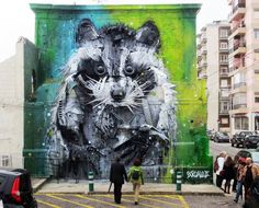 Este artista convierte la chatarra en grandes animales