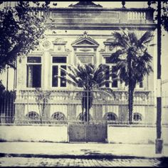 Old University of Sao Paulo house in Brigadeiro Luis Antonio Avenue, demolished in the 50's.