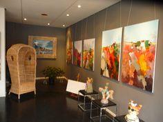 Allereerste expositie in Galerie SteigerArt met beelden van Ghislaine van Tongeren,schilderijen van Arie Plug en mijzelf.