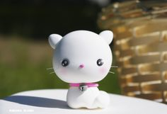 White Persian Cat Figurine / Kawaii Kitten / Collectible Toy / Party Cake Topper by Naboko Studio