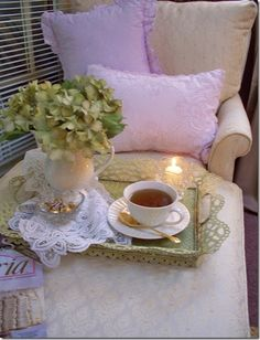 shabby tea time...