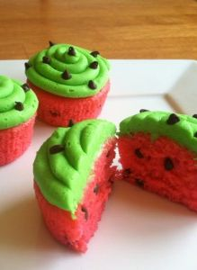 How cute are these Watermelon Cupcakes from Today's Work at Home Mom! Going to add some skinny swaps for a great summer time treat!
