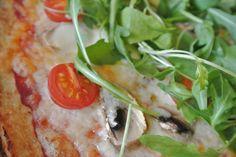 Väri-epä-suora: Pitsa ilman jauhoja Chicken, Meat, Food, Eten, Meals, Cubs, Kai, Diet