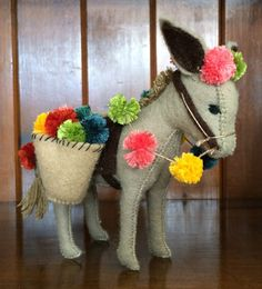 Felt Crafts, Fabric Crafts, Diy And Crafts, Felt Monster, Polymer Clay Kawaii, Softie Pattern, Felt Toys, Stuffed Animal Patterns, Felt Ornaments