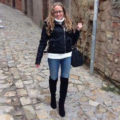 Y este es el look completo de hoy... ¿Qué os parece? #ideassoneventos #imagenpersonal #imagen #moda #ropa #looks #vestir #wearingtoday #hoyllevo #fashion #outfit #ootd #style #tendencias #fashionblogger #personalshopper #blogger #me #lookoftheday #streetstyle #outfitofday #blogsdemoda #instafashion #instastyle #sinfiltros #blanco #negro #blancoynegro #casuallook