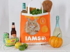 New Video and Tutorial: DIY Reusable Grocery Bags From Pet Food Sacks Reusable Grocery Bags, Plastic Grocery Bags, Renegade Seamstress, Sewing Patterns, Crochet Patterns, Baby Model, Decoration Christmas, Projects To Try, Sewing Projects