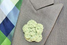 Crochet Mens Lapel Accent Flower, Buttonhole Flower, Mens Boutonniere - Wedding Boutonniere - Light Green