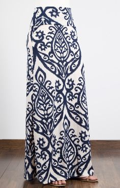 Love this Candle Print Maxi Skirt. I need to add some to my wardrobe over the next couple months. Love the navy scroll work. Modest Outfits, Modest Fashion, Cute Outfits, Fashion Outfits, Womens Fashion, Fashion Tips, Maxi Robes, Printed Maxi Skirts, Spring Summer Fashion