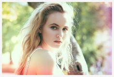 SIDECAR: GEOFFREY BADNER: PORTRAIT  PHOTOGRAPHY WOMENS FASHION website_portfolio_v1a47.jpg