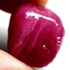 38.81CT.REMARKABLE! ROUGH TOP BLOOD RED NATURAL RUBY MADAGASCAR