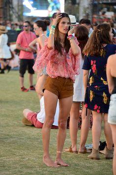 Alessandra Ambrosio's Fashion at Coachella | POPSUGAR Latina