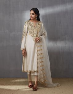 Yellow kurta set Aari embroidery Chanderi fabric Shipped days Care- Dry clean only sizes above XL available with extra charge of INR Punjabi Designer Boutique, Casual Dresses, Summer Dresses, Summer Suits, Milan Fashion Weeks, London Fashion, Embroidery Suits, Aari Embroidery, Kurta With Pants