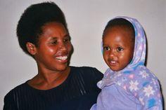 Los derechos de la mujer han de ser valores transmitidos y contagiados por toda la sociedad, empezando por su ente más pequeño y básico, la familia. África Human Rights, Women