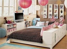 modern room with plat form bed, brown/pink