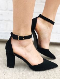 76f8f8b4038 17 Best Black Heels Outfit images