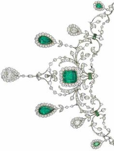 A belle époque emerald and diamond necklace, circa The foliate garlands… Royal Jewelry, Emerald Jewelry, Luxury Jewelry, Diamond Jewelry, Fine Jewelry, Geek Jewelry, Jewelry Necklaces, Edwardian Jewelry, Antique Jewelry