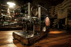 TRUTH COFFEE - Our resident Maestro has outdone himself this time. A commision. Stream that punk the client said. Well, he did. And it is. Jannas is no longer just our hero! Of course he also solves smaller machine ssues in a single leap. What do you think of the Mistress? Coffee Carts, Coffee Roasting, Espresso Machine, Mistress, Coffee Maker, Punk, Hero, Houses, Concept