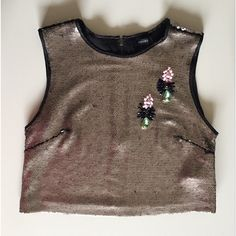 Sequin Cropped Top Gorgeous cropped top with back exposed zipper. New with tags. Forever 21 Tops Crop Tops