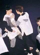 that day when EXO yixing received extra love from kyungsoo #lay #D.O.