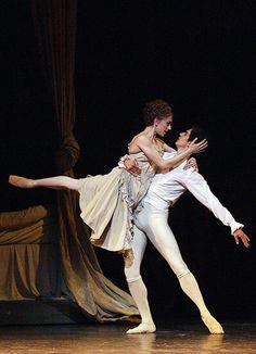 Kenneth MacMillan, Manon Marianela Nuñez and Federico Bonelli ph. Shall We Dance, Just Dance, Ballet Couple, Mikhail Baryshnikov, Male Ballet Dancers, Ballet School, Dance Tights, Partner Dance, Dance Movement
