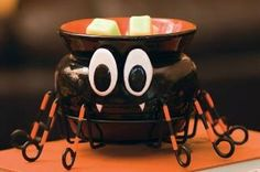 Itsy Bitsy , a cute addition to your Halloween Décor www.tammyallison.scentsy.ca