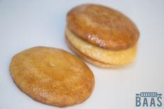 """De eierkoek is dankzijSonja Bakker razend populair omdat zij deze lekkernij als """"gezond"""" tussendoortje heeft geïntroduceerd. Hamburger, Cheesecake, Bread, Desserts, Food, Tailgate Desserts, Deserts, Cheesecakes, Brot"""