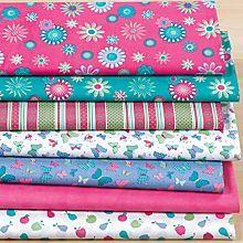 Lot de 7 coupons patchwork 'fleurs', rose vif/turquoise