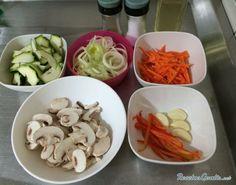 Aprende a preparar salteado de verduras y setas con esta rica y fácil receta. Las verduras salteadas con setas son perfectas para la hora de la cena, ya que se...