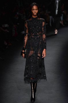 valentino-fall-2015-black-lace-dress The Road to My Avennyou - Lace Getting a Twist of the Black Swan
