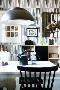 Spisestuebord rundt med stoler report
