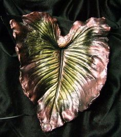 I saw an article in a magazine on How to Make Cement leaves. I chose my first leaf, a 3 foot Elephant ear. I chose my leaf… Painting Concrete, Concrete Art, Concrete Garden, Love Garden, Garden In The Woods, Summer Garden, Garden Ideas, Cement Leaf Casting, Concrete Leaves