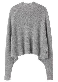 Interesting Shape- raglan goes all the way to the bottom edge. Alpaca, Dress Up, Raglan, Minimal Chic, Knit Fashion, Sleeve Designs, Grey Sweater, Cropped Sweater, Turtleneck