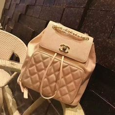 CHANEL (83USD) Size:25*24*12cm