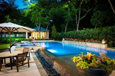 Gorgeous pool and landscape!!!!