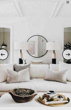 ☼ ☾love big lamps and round mirror.