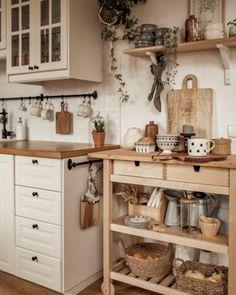 Cozy Kitchen, Kitchen Decor, Ideas Hogar, Minimalist Home, Cozy House, Home Decor Inspiration, Kitchen Interior, Vintage Kitchen, Home Kitchens