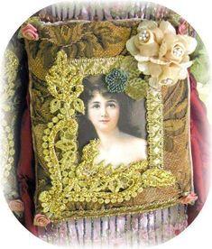 Victorian Splendor Sachets Gold