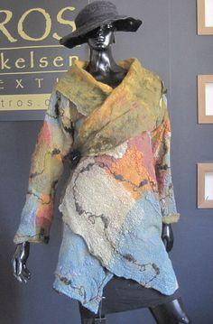 saco patchwork de seda y fietro revesrible Celia Mikkelsen www.artefieltros.com