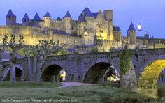 Castle Carcassonne  > Languedoc-Roussillon - France - http://destinations-for-travelers.blogspot.com/2014/01/castle-carcassonne-languedoc-roussillon-france.html