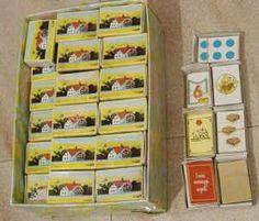 ...Nelle merendine del Mulino Bianco trovavamo la scatolina come quella dei fiammiferi con all'interno una sorpresina bellissima. Una gommina, una miniatura, un biscottino smontabile o le carte da collezionare...