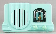 RARE Addison 2 1940 Waterfall Deco Mint Green Bakelite Plaskon Tube Radio