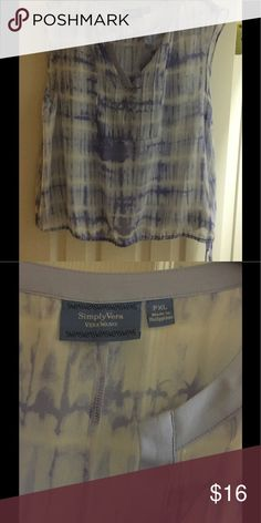 Vera wang sheer top *FINAL PRICE* Vera Wang sheer top with tie waste blue and white in color XLG Simply Vera Vera Wang Tops Blouses