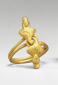 Ring with busts. Roman Period - 1st century A.D. Gold. Egypt.   © 2000–2014 The Metropolitan Museum of Art.