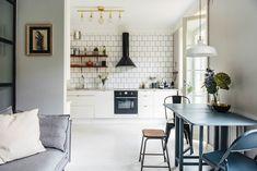 Kleine open keuken loft zolder zilver pinterest dark walls